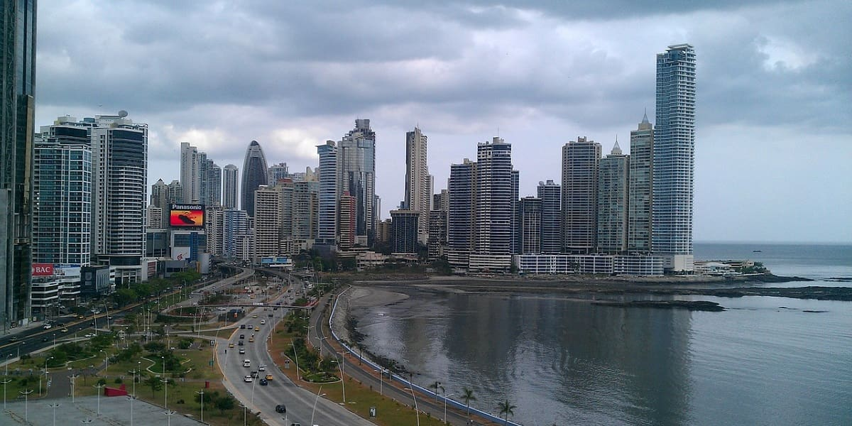 Attractions to invest in Panama-min